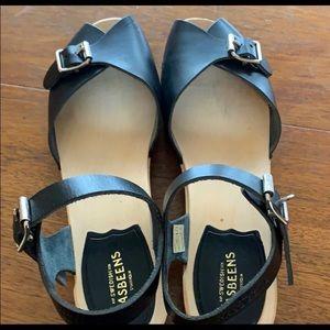 Hasbeens low sandals, black EUC 38